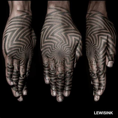 finger hand dotwork tattoo von lewis ink