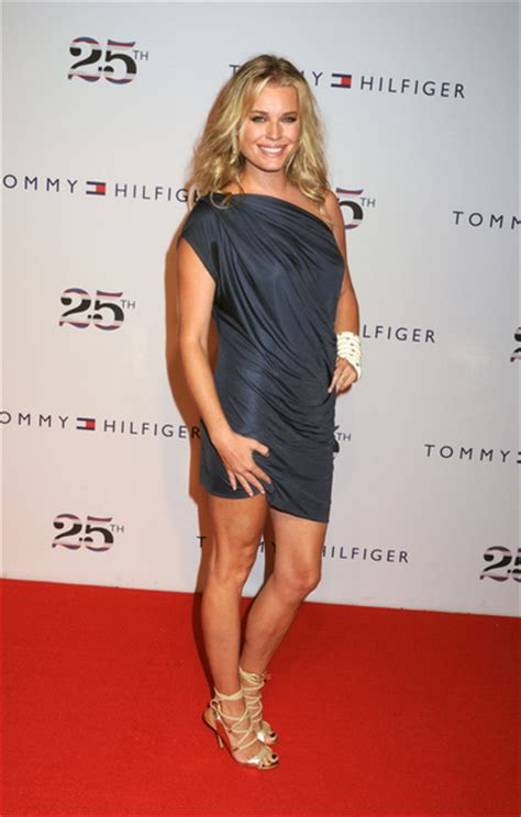 3 5 M To Feet rebecca romijn height how tall