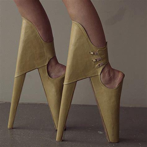 kumpulan sepatu high heel unik avancolleta