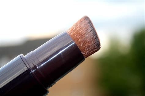 by terry light expert click brush illuminating flawless foundation beautyqueenuk by terry light expert click brush