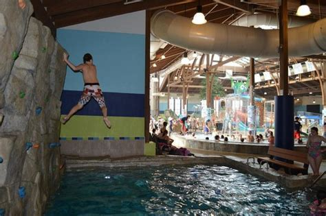 Rock Wall Drop - Picture of Soaring Eagle Waterpark and ...