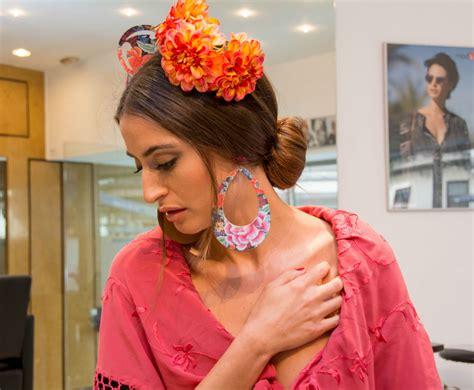 como colocar la cinta en los peinados de nia c 243 mo poner las flores de flamenca correctamente bulevar sur
