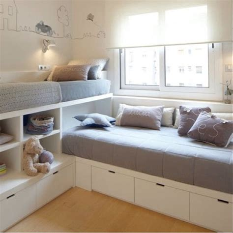 Bunk Bed Ideas For Small Rooms Best 25 Small Shared Bedroom Ideas On Bunk Beds Small Room Shared Rooms And Low