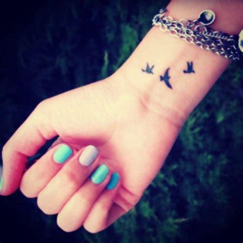 tattoo on inner wrist 25 best ideas about bird wrist tattoos on
