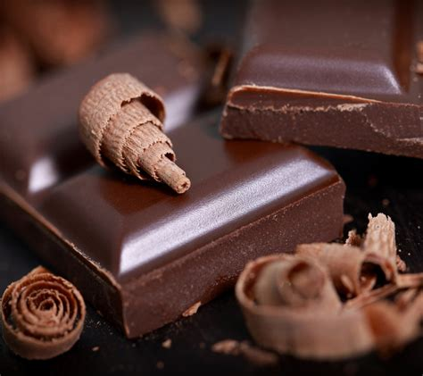 wallpaper coklat batang dark chocolate improves blood flow to legs boosts walking