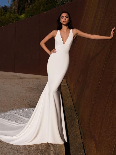 vestido de noiva simples corte sereia  decote em