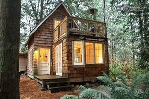 Tiny Cabin Plans Tiny Cabin With Upstairs Balcony And Small Space Ideas Galore
