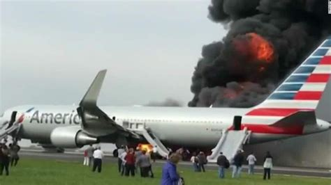 Breaking News Img Fashion Week Live Dumps Chicago Second City Style Fashion by Passengers Scramble To Exit Flaming Aircraft Cnn