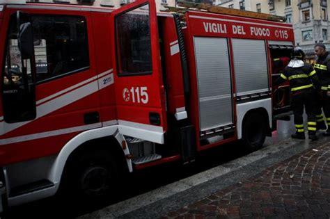 appartamenti aler fiamme in un appartamento aler evacuato palazzo