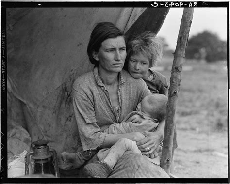 the great life photographers looking at dorothea lange s migrant mother conscientious