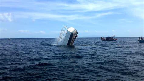 sinking boat tragedy sinking boat tragedy at langkawi youtube