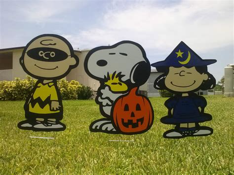peanuts yard decorations great pumpkin yard snoopy with brown and