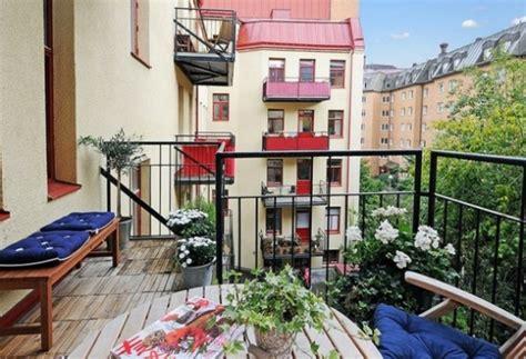 holzbank balkon wohndesign und inneneinrichtung