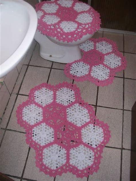 jogo de almofada de barbante jogo de banheiro em barbante m 244 nica croch 234 elo7