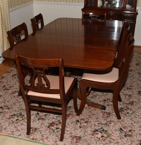 Duncan Phyfe Dining Tables Mahogany Duncan Phyfe Style Dining Table And Chairs Ebth