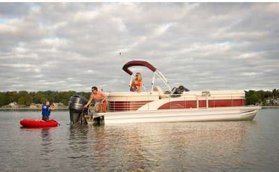 beckley s boat rentals lake george lake george activities enjoy amusement water parks