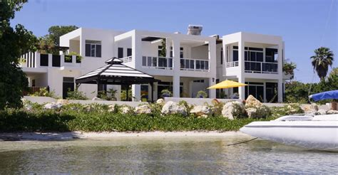 3 bedroom beachfront home for sale white house