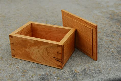 Woodworking Project Small Box With Dovetail Joinery