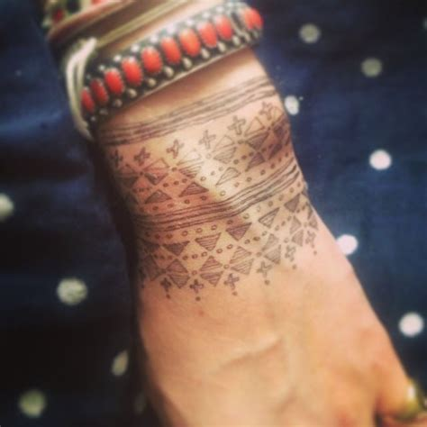 sick wrist tattoos 61 best ideas about tattoos on geometric