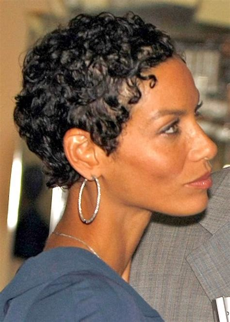 nicole mitchell short curly casual hairstyle 58 best images about hair on pinterest halle berry