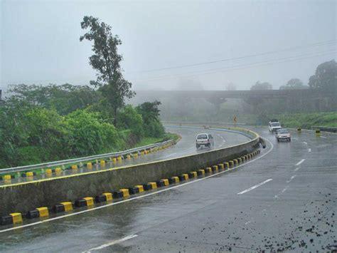 File:Mumbai Pune expressway.jpg - Wikimedia Commons