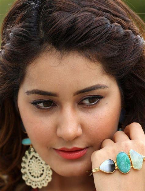 south actress rashi telugu actress rashi khanna face close up photos gallery
