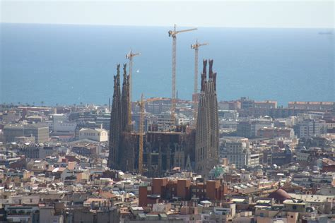barcelona wikipedia file spain catalonia barcelona vista sagrada familia jpg