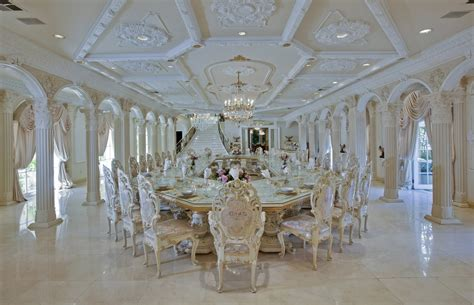 the gallery for gt dining rooms in mansions le chateau d or featured on hgtv s million dollar rooms
