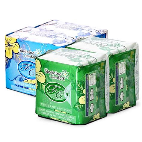 Avail Biru Use Day avail pembalut day use pantyliner biru hijau elevenia