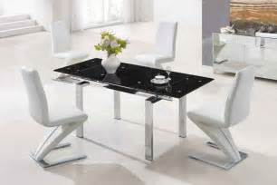 design dining table by designer decosee