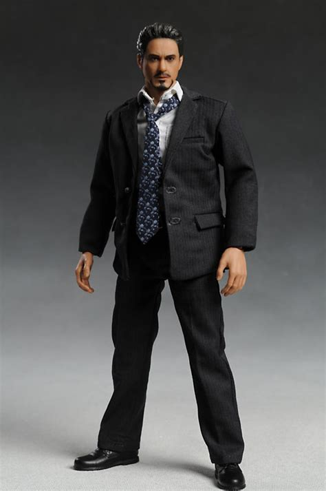 tony stark suits review and photos of hot toys men s suit tony stark