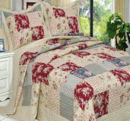 country cottage patchwork lightweight reversible quilt