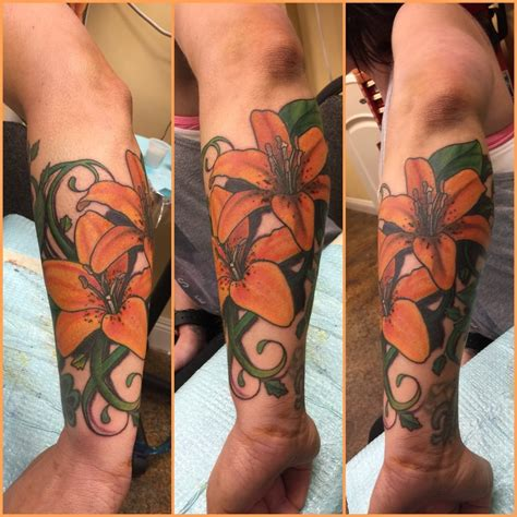 wicked 13 tattoos tiger lilies done by she s awesome absolutely