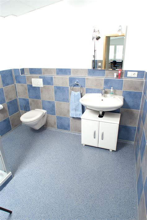 bathtub commercial commercial bathroom flooring floorings for bathrooms