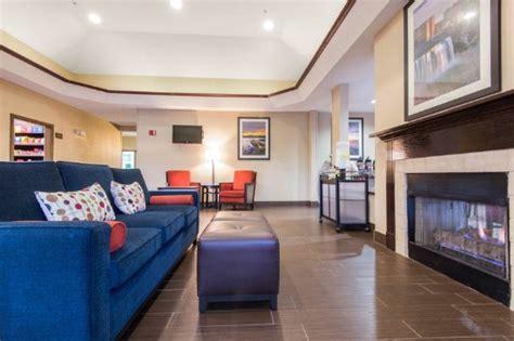 comfort inn henrietta ny comfort suites rochester henrietta ny omd 246 men och