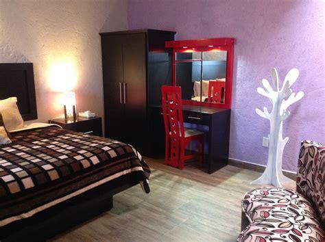 guardarropa hotel suite de lujo con cama king size guardarropa y peinador