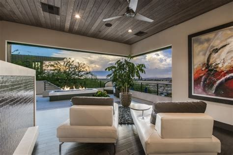 6 6 Million Summerlin Home Has Disappearing Glass Doors Disappearing Glass Doors