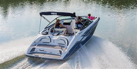 yamaha jet boat water in ski locker 10 best boats for families boat