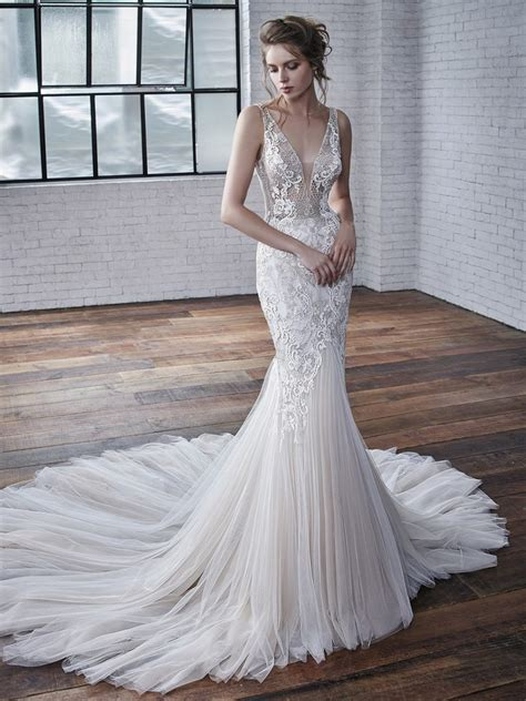 badgley mischka  bridal rooms wedding dresses