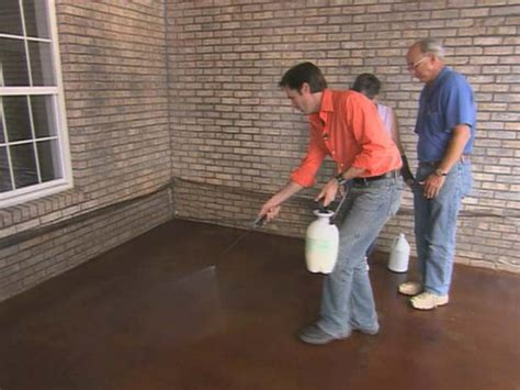 How to Apply Concrete Stain   how tos   DIY