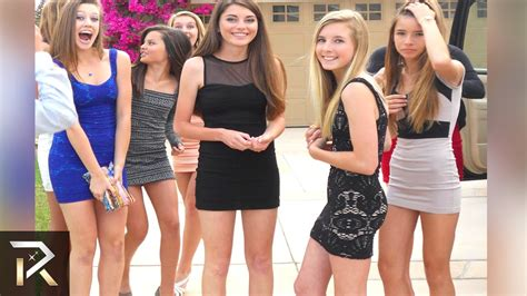 Girls Flashing At Senior Prom Hot Girls Wallpaper
