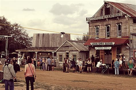 Long Ranch House Plans by Willie Nelson To Open Quot Willie World Quot Theme Park In 2014