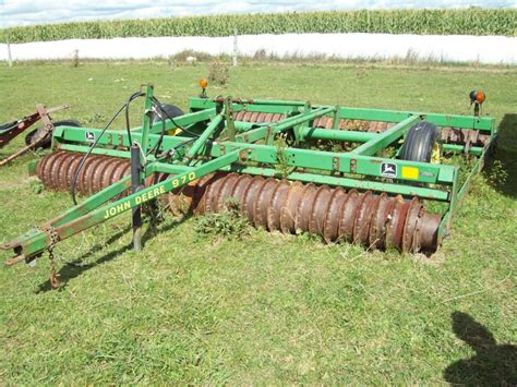 John Deere 2 Row Planter For Sale by Winchester Farms Machinery Auction