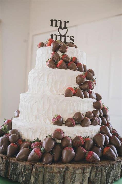 Discworld Wedding Cake Anyone by 17 Best Ideas About Fruit Wedding Cake On