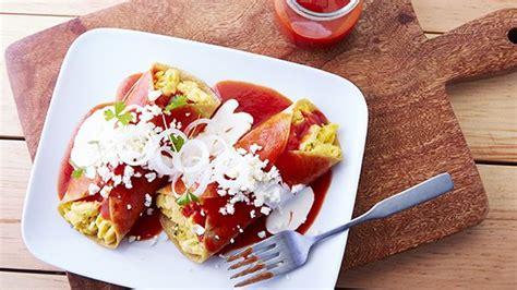 enchiladas rojas de queso enchiladas rojas rellenas de huevo al cilantro recipe