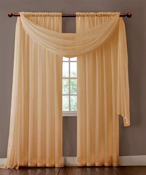 different styles of hanging curtains best 25 hanging curtains ideas on pinterest hang