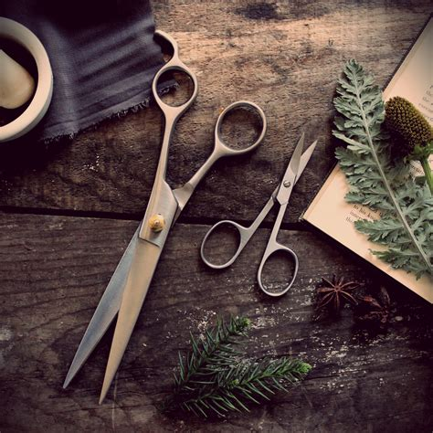 tgecdifference between a razor cut and scissor cut all about hair shears boldbarber com