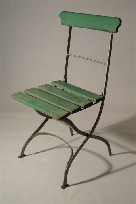 chaises de jardin en fer anciennes