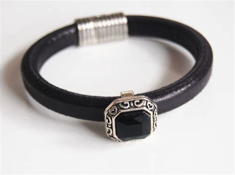 Gelang Dominica Leather Bracelets s black licorice leather bracelets leather bracelets with ferozasjewelery pinklion