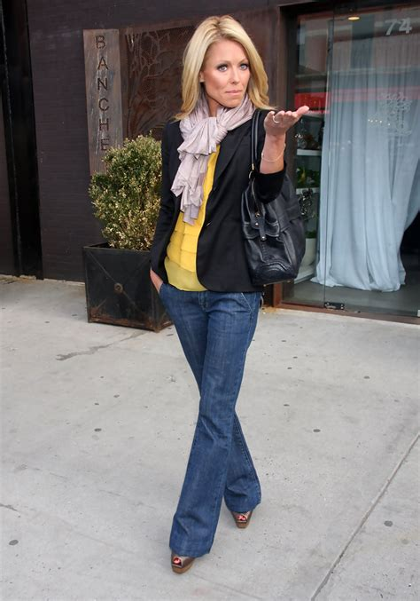 where is kelly ripa moving to in nyc 2014 kelly ripa photos photos kelly ripa seen out in new york